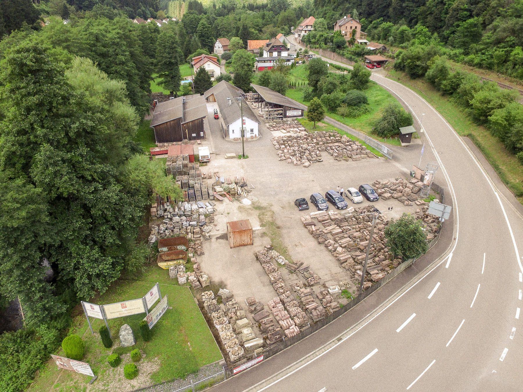 Walz Natursteine Gelände