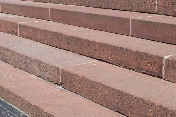 Treppenanlage aus Sandstein